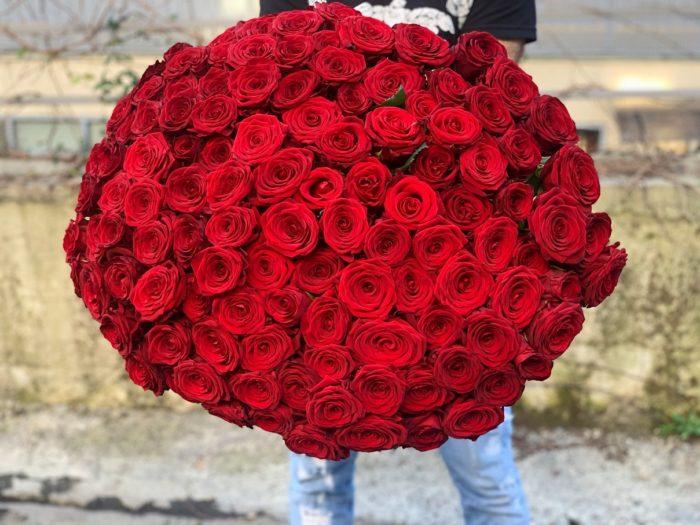 Огромный букет Роз Сочи