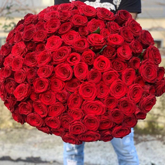 Монобукет из роз Ред Наоми