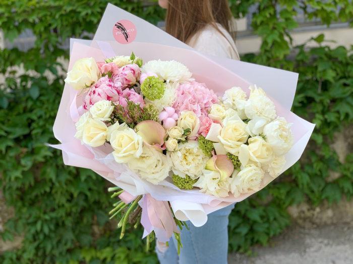 Цветы курьером Сочи